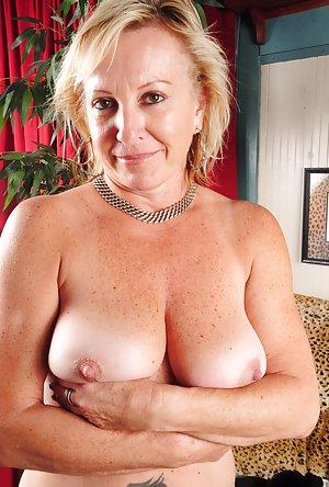 Mature Milf Pussy porn