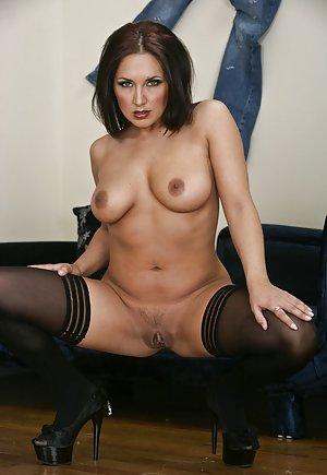 Milf Pussy Spreading porn